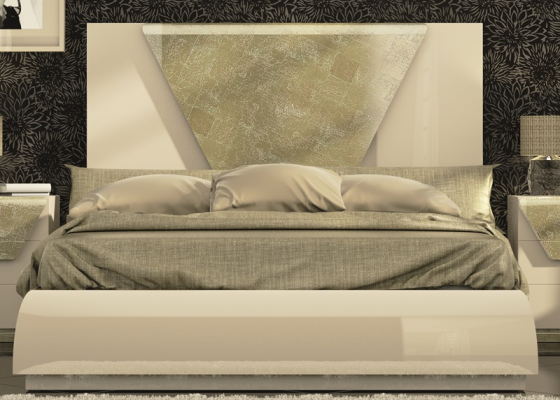 Lacquered complete bed with details in champagne leaf. Mod. ANISA