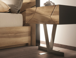 One-drawer lacquered bedside tables with oak front and metallic base. Mod. WINDSOR