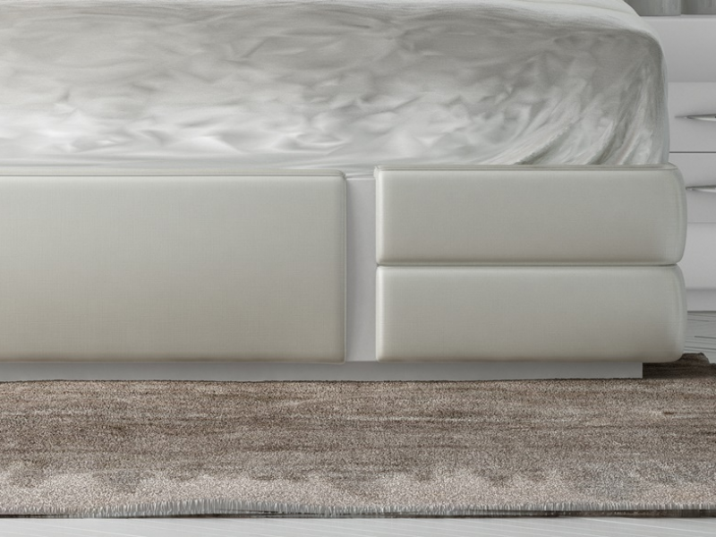 Complete lacquered and upholstered bed. Mod. AILEEN