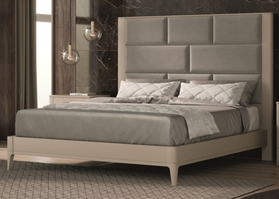 Lacquered and upholstered complete bed. Mod. OLIVIA