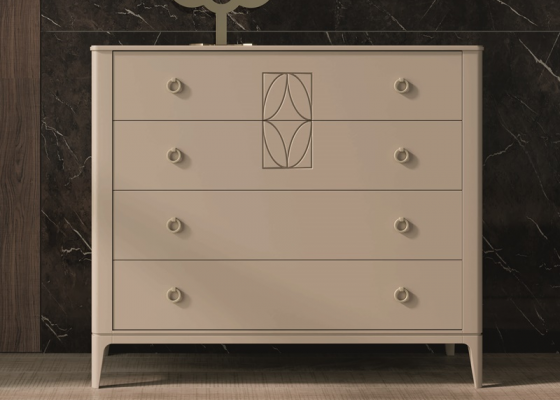 4-drawer dresser with central engraving. Mod. LLANOS