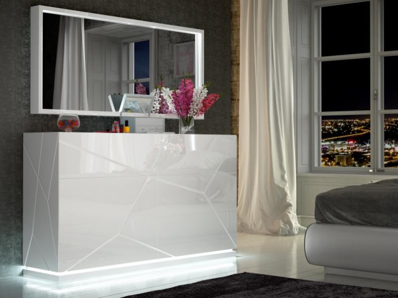 6-drawer lacquered dresser with led lighting. Mod. NAUGE LED