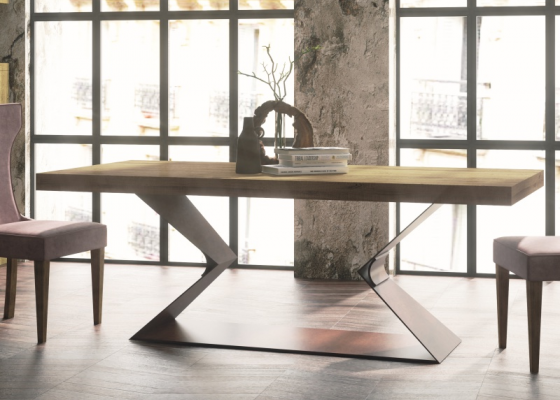 Extendable dining table with wood oak top. Mod. NAMUR