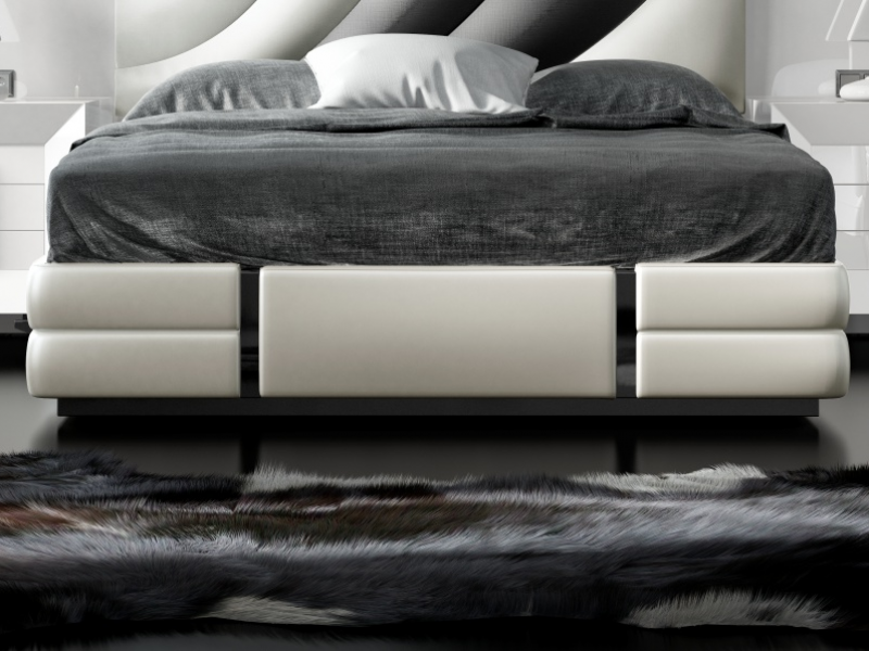 Lacquered and upholstered complete bed with XXL headboard. Mod. MELIA
