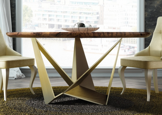 Round and fixed dining table with solid ash wood top. Mod: DIMA WOOD