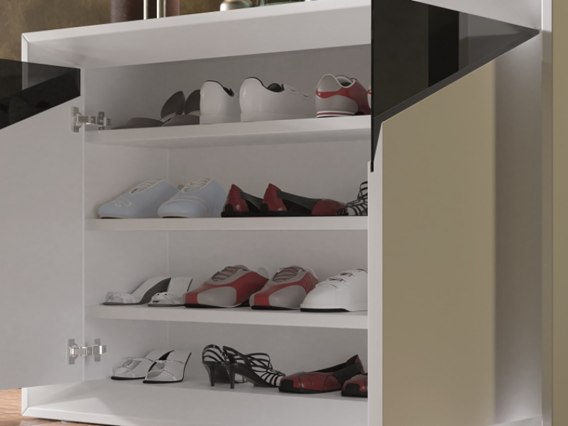 Lacquered shoe rack with glass details. Mod. VAPRO