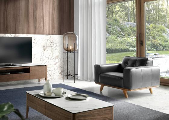 Leather armchair. Mod. LEONARDO-1P