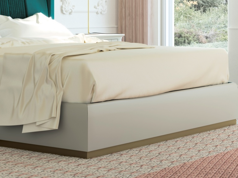 Complete bed upholstered in velvet with lacquered bed frame. Mod. ALYA