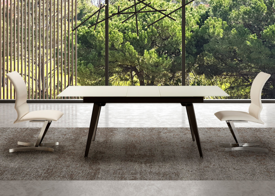 Extensible dining table with white glass top. Mod. TOLEDO
