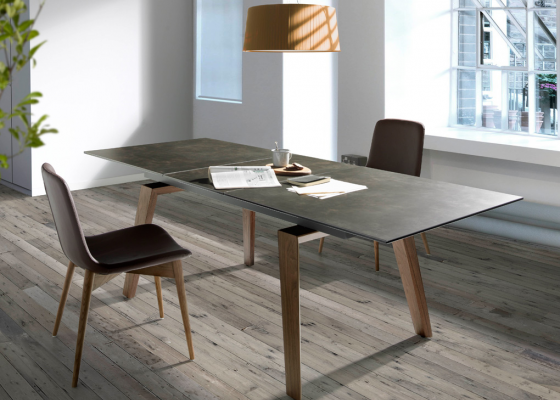 Extendable dining table with walnut structure and ceramic top. Mod. PALMA