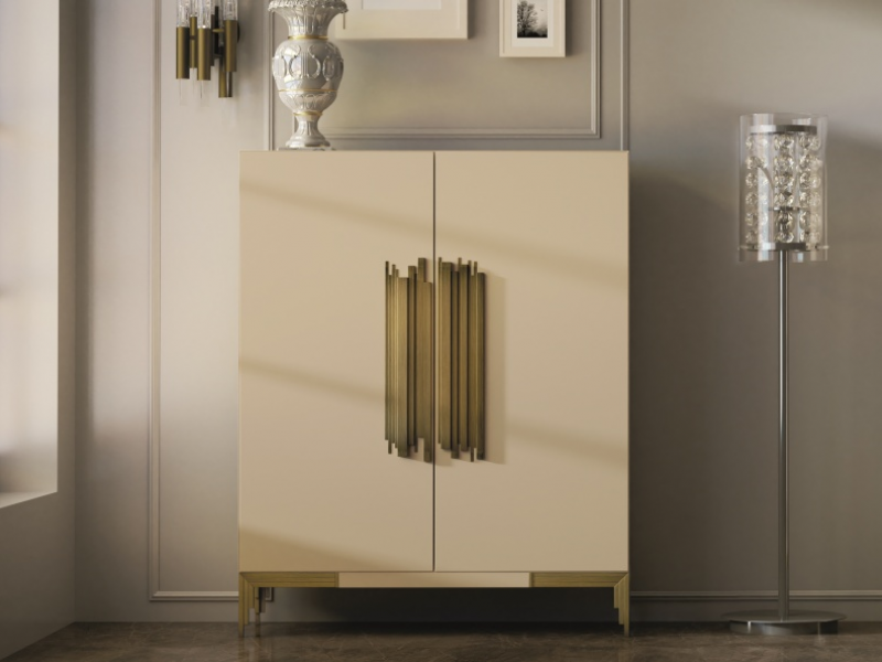 Lacquered showcase with 2 doors Mod: CATANIA