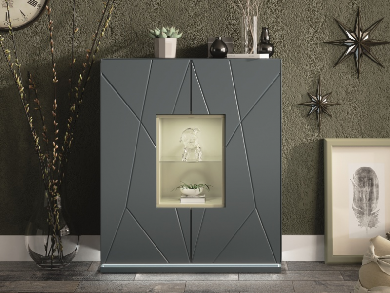 Lacquered showcase with 2 doors Mod: NAUGE
