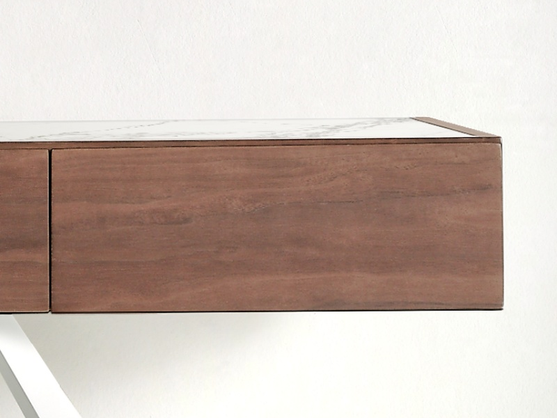 Console with ceramic top and steel lacquered base. Mod. TIKK