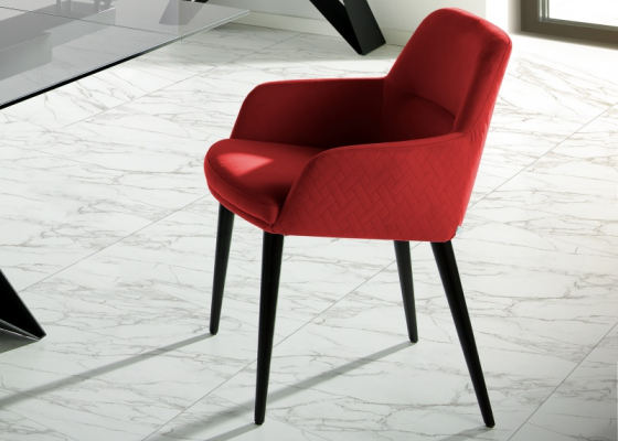Set of 2 upholstered and lacquered chairs. Mod. ZARAH