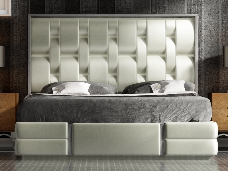 Lacquered and upholstered complete bed. Mod. ZAREEN