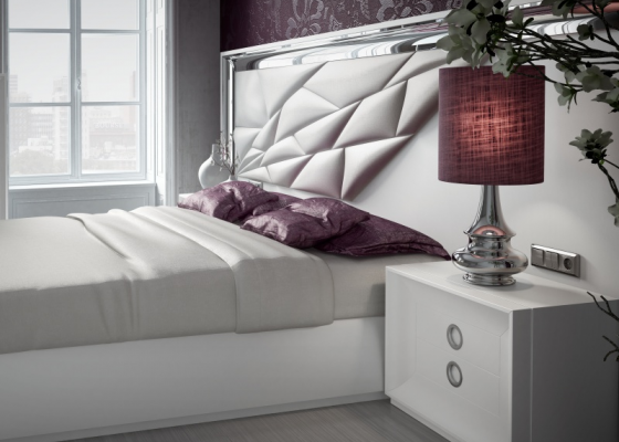 Large lacquered and upholstered headboard. Mod. MAAT