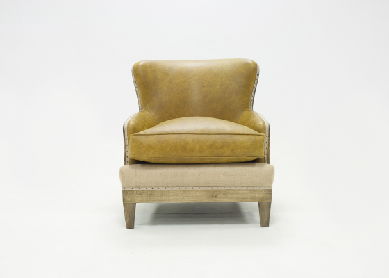 Leather upholstered armchair with visible wood. Mod. PIANA LEATHER