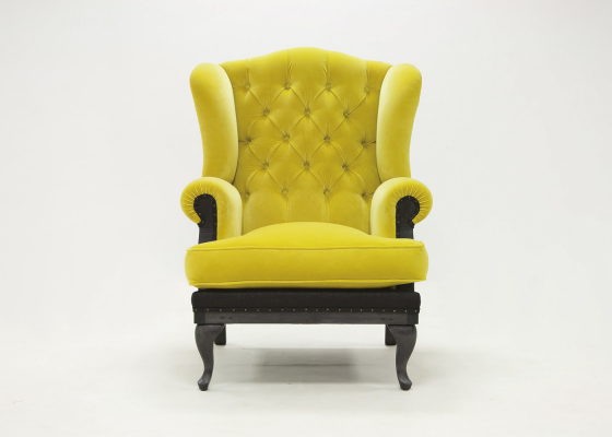 Wing upholstered and padded armchair in fabric. Mod. LOCRONAN PADDED