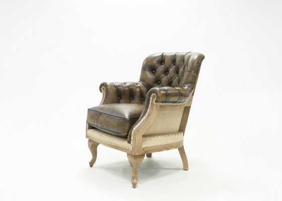 Upholstered Chester armchair in genuine leather. Mod. CLUB