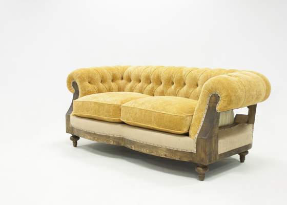 Chester sofa upholstered and padded in fabric. Mod. AYLLON
