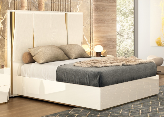 Lacquered and upholstered complete bed. Mod. ESSENCE
