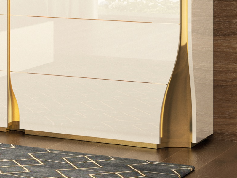 High gloss lacquered dresser with baseboard. Mod. ESSENCE
