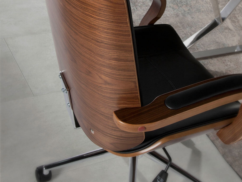 Upholstered office armchair. Mod. GOUDA