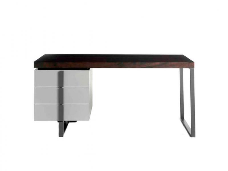 Office desk with structure in oak veneer painted in wengue and black steel legs. MOd: VIVALDI