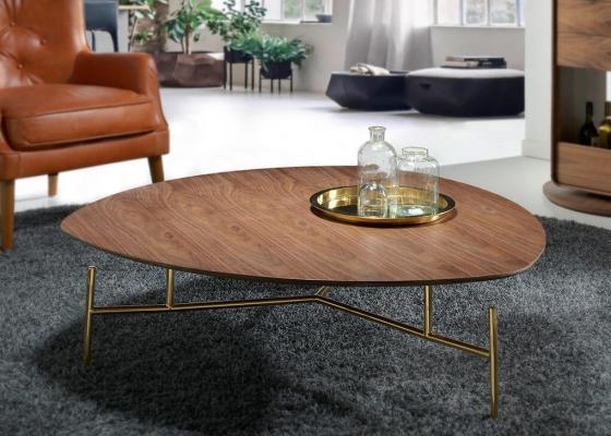 Coffee table with walnut top. Mod: DOZZA