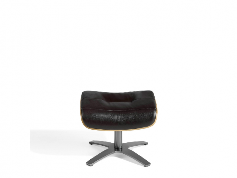Swivel ottoman upholstered in cowhide.Mod: B�LIER
