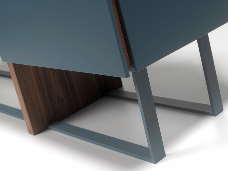 Design sideboard with combined base in wood and lacquered steel. Mod. SAMIA