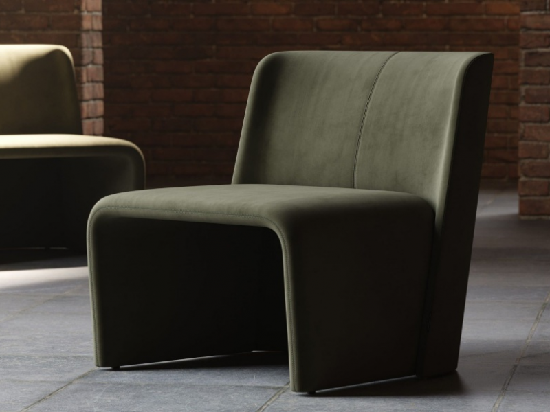 Design armchair upholstered in velvet. Mod. LOANA