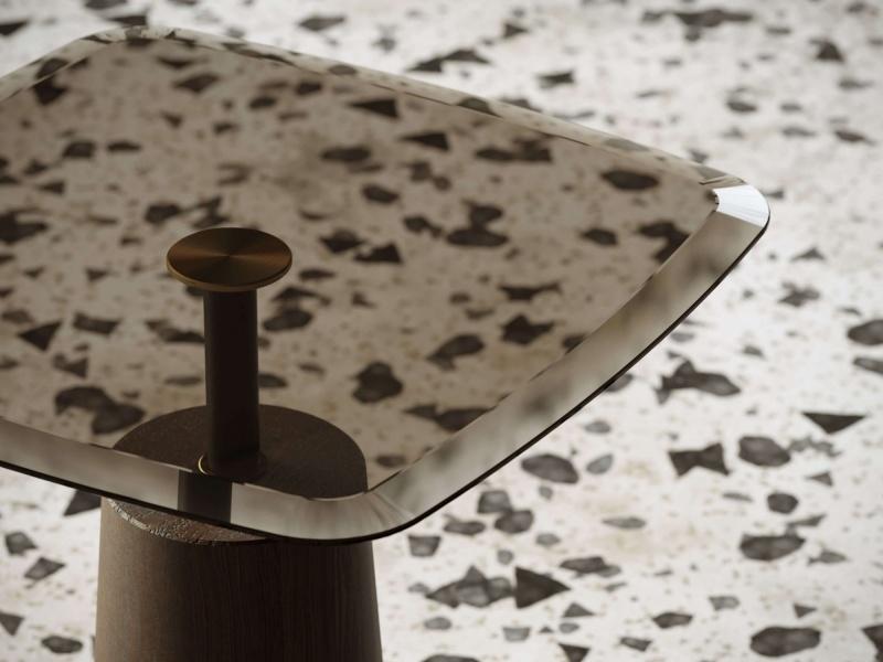 Corner design table. Mod. IVETTE