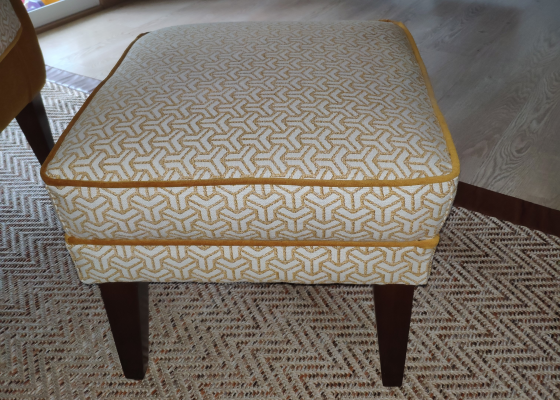 Upholstered pouff. Mod. BOSTON GEOMETRIC