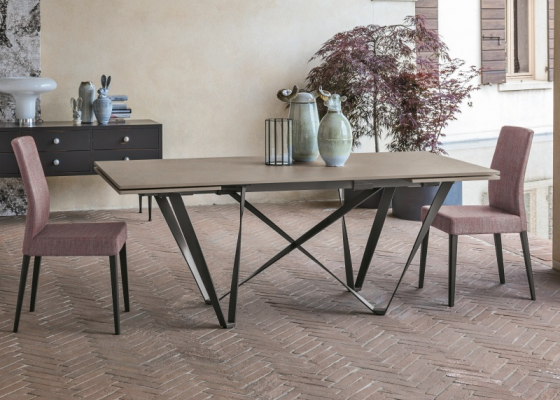 Extendable dining table with ceramic top. Mod. VAGUE