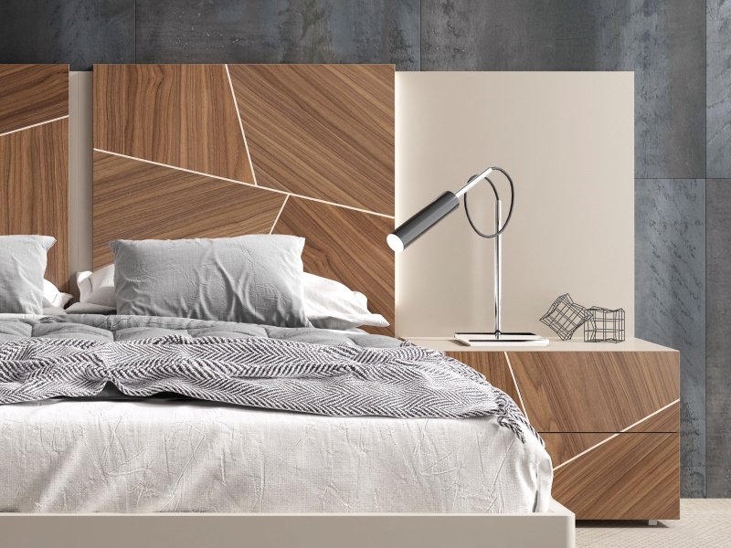 Lacquered headboard with American walnut wood central panels and led lighting.Mod: LUCILE