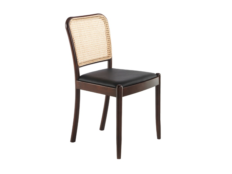 Upholstered chair with rattan backrest. Mod: EVO