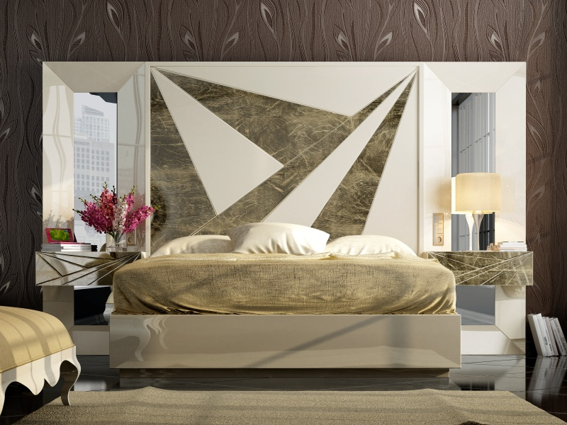 Complete lacquered bed with side mirrors and 1-drawer bedside tables.Mod: BADRA