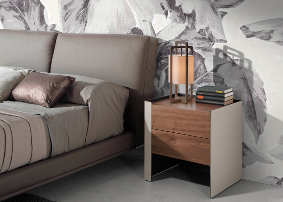 Bedside tables in walnut wood and recycled leather. Mod: GIANNINA